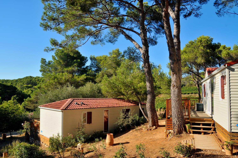 Camping Résidentiel La Pinède