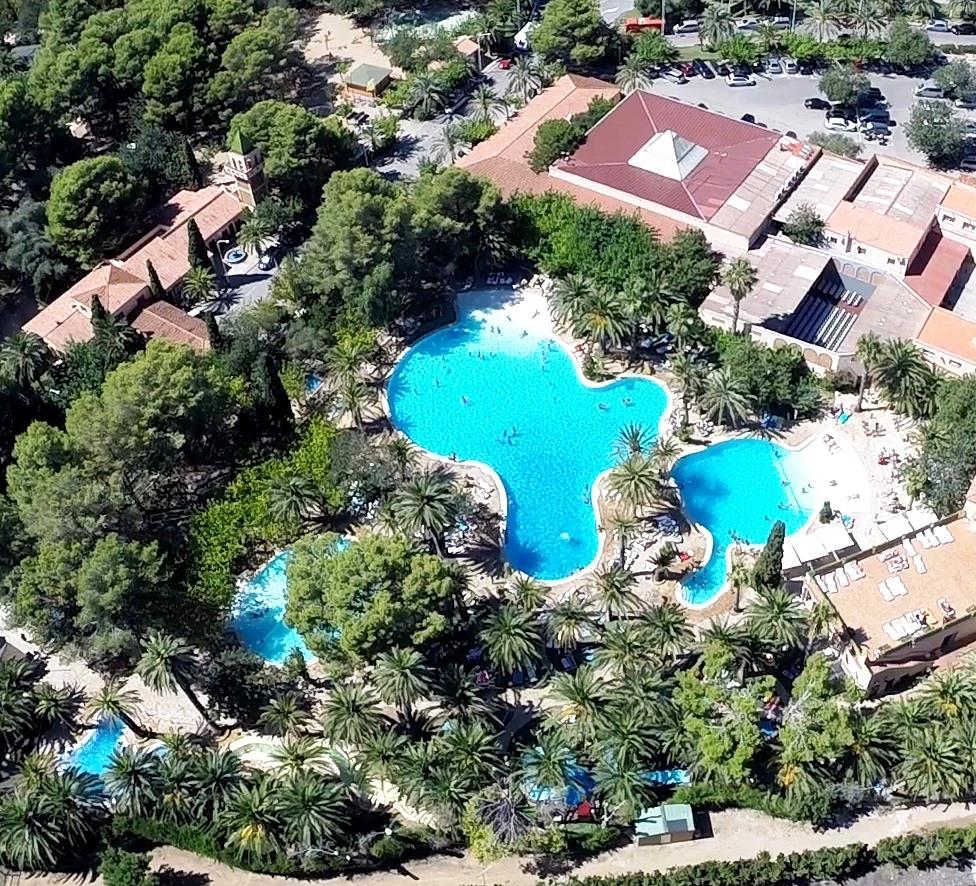 Luchtfoto van het zwembad