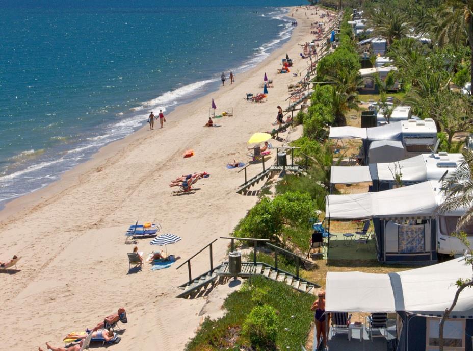Standplaats op het strand huizen direct aan zee