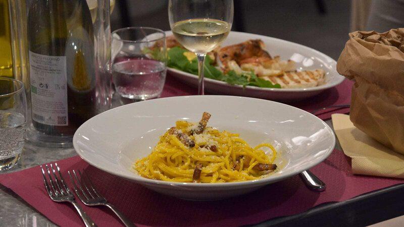 lecker Essen Spaghetti Wein Restaurant