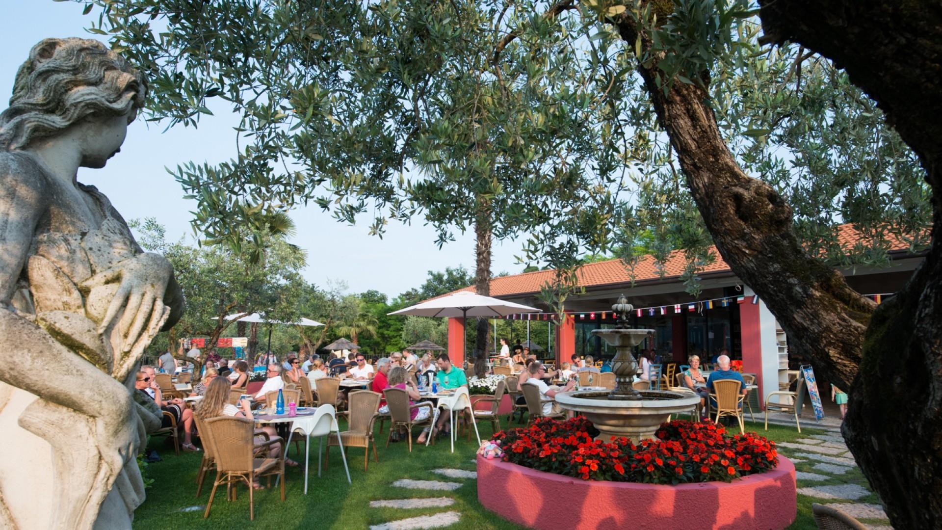 Tuin Terras Restaurant Eten Drankje