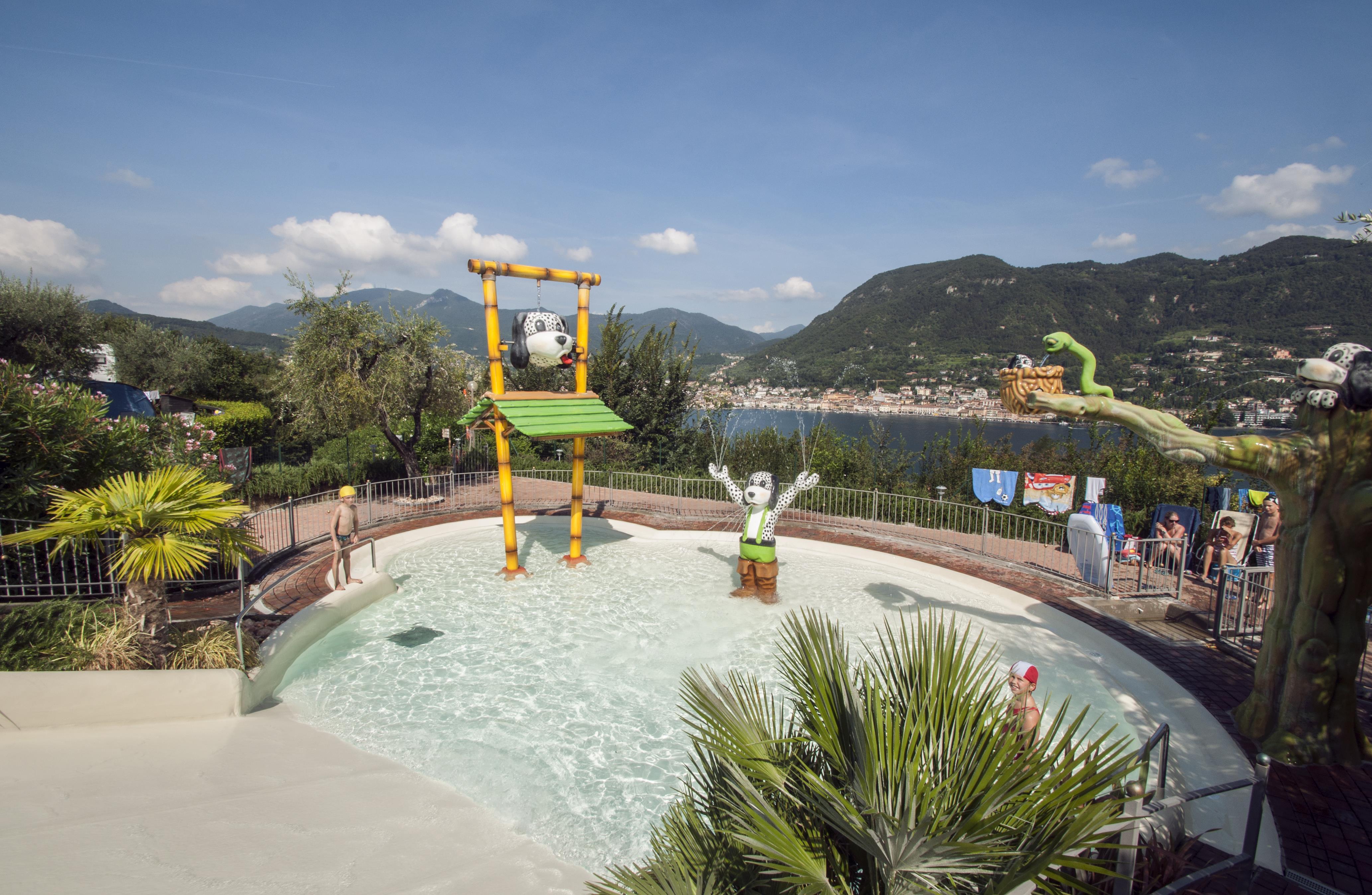 Kinderzwembad Waterglijbaan Bergen