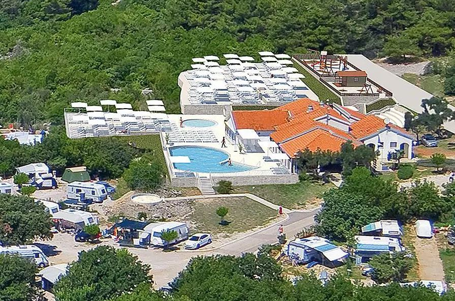 klein zwembad camping caravan