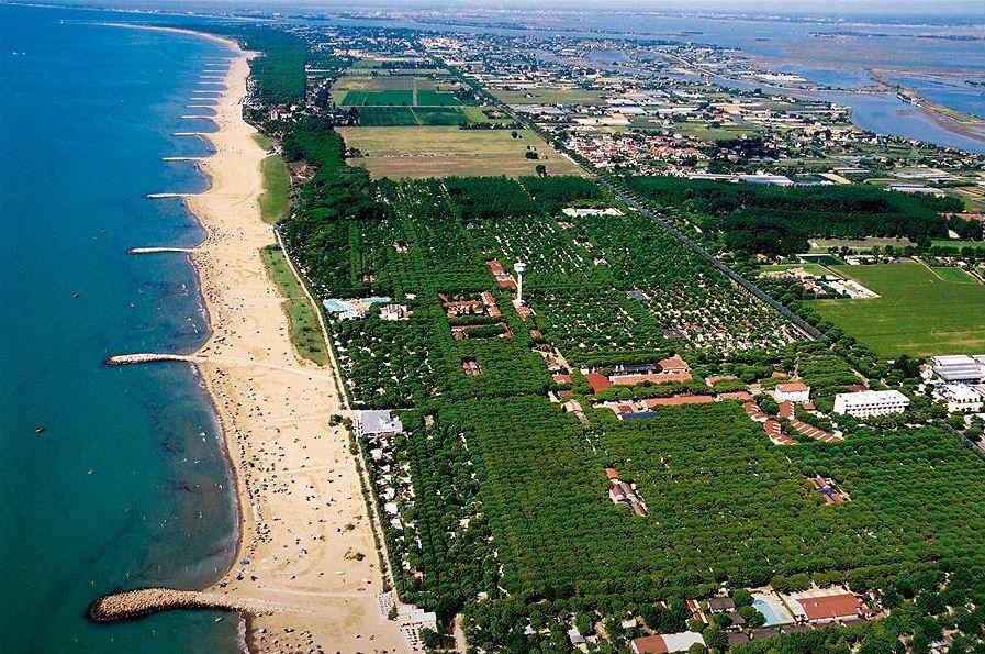 Strand vanuit de lucht