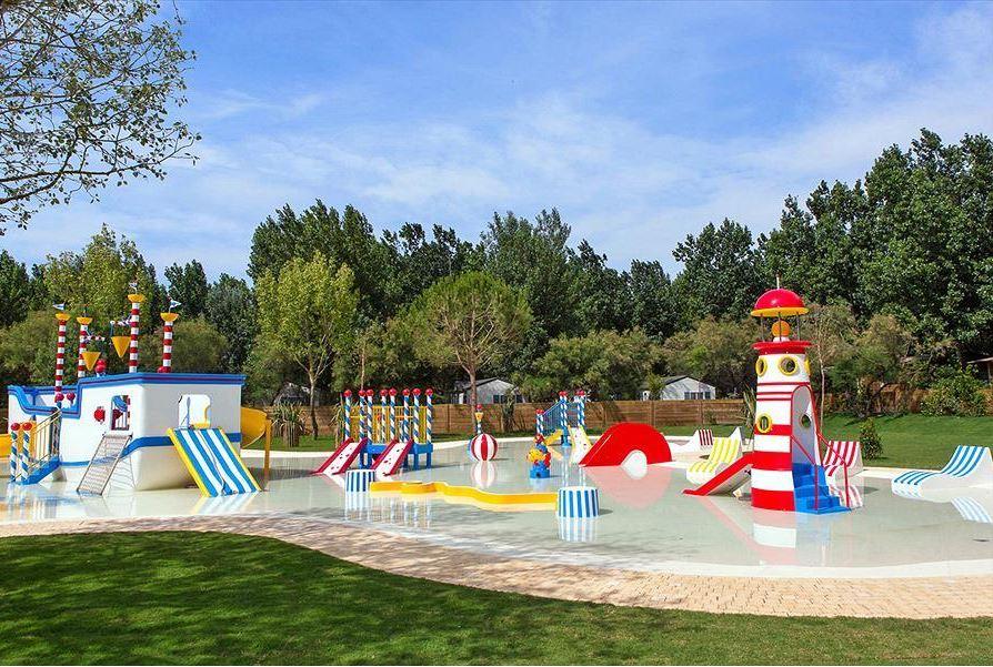 Speelplaats met water