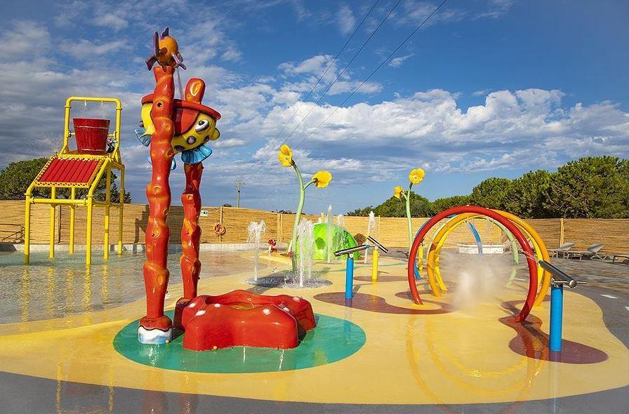 kleurrijke waterattracties