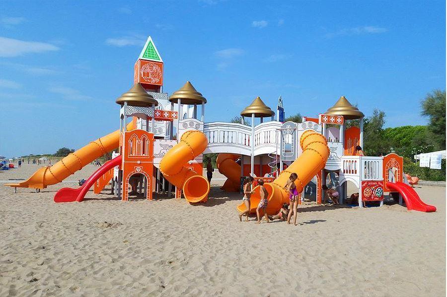 Speelkasteel op het strand