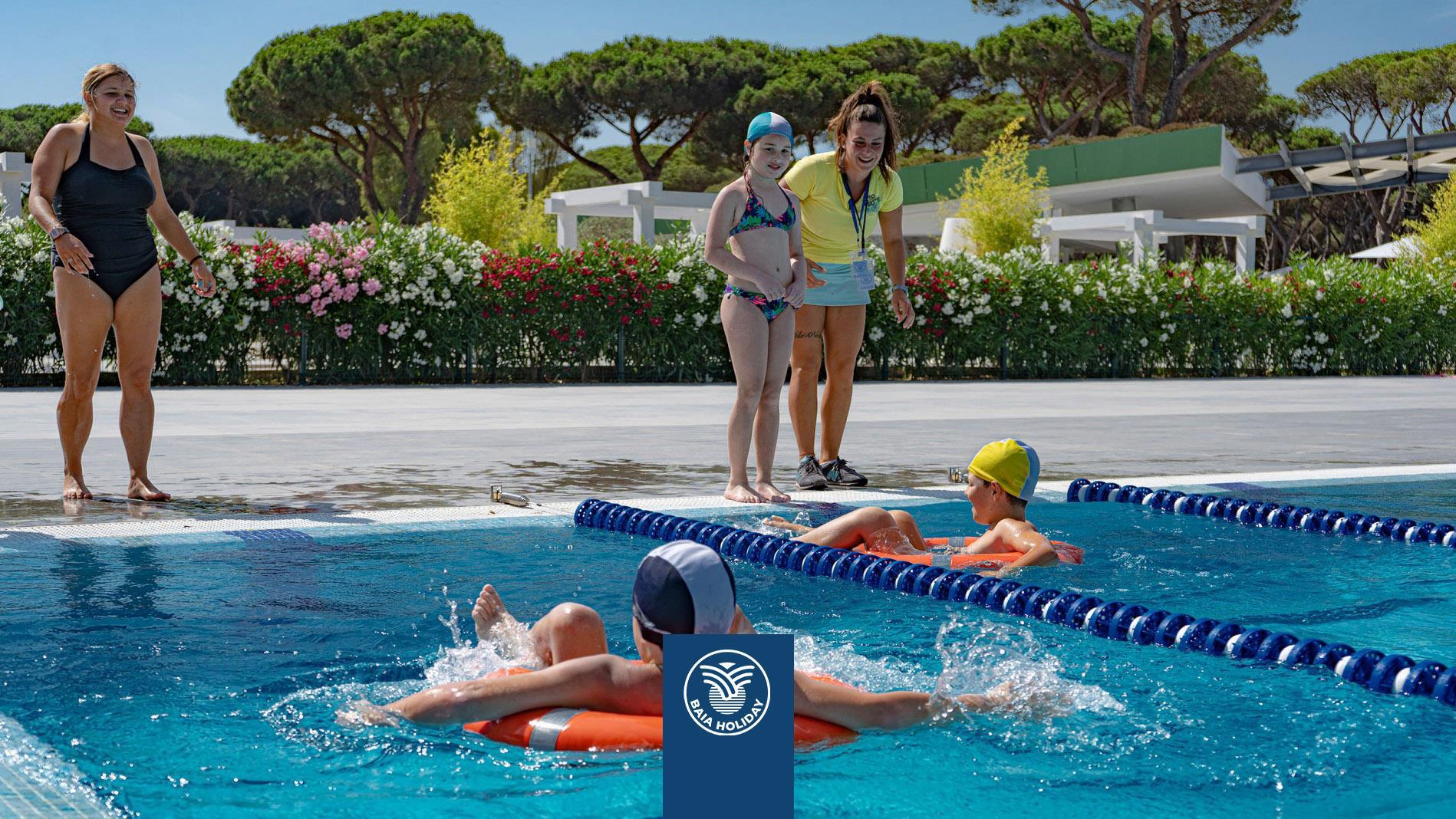 Spelen in het zwembad Animatie voor kinderen Badmeesters Badges